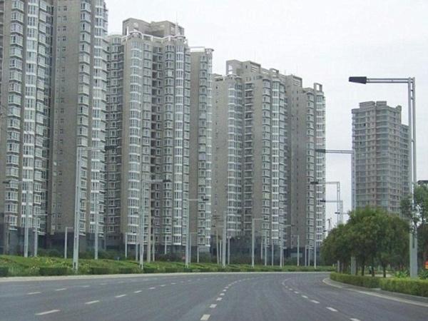 Pourquoi la Chine stock sans raisons apparentes des produits comme le fer, le riz, des métaux précieux, le lait en poudre? C5329011