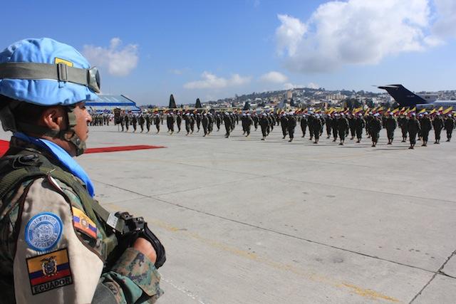 Armée Equatorienne/Fuerzas Armadas del Ecuador - Page 4 Equado10