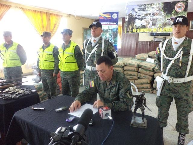 Armée Equatorienne/Fuerzas Armadas del Ecuador - Page 4 Equado11