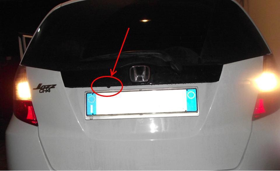 In generale... sostituire l'autoradio di serie Rt0110