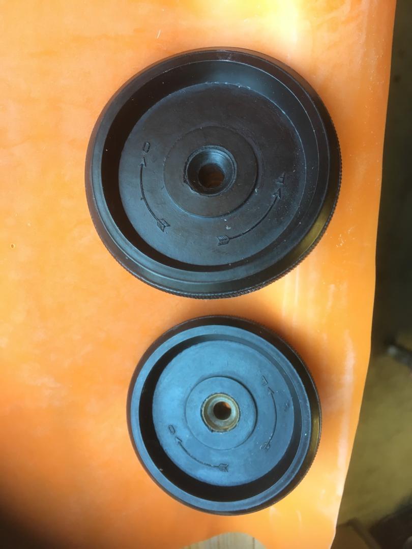 Nouvelle refabrication au catalogue du Club01: molette de pare brise 87310