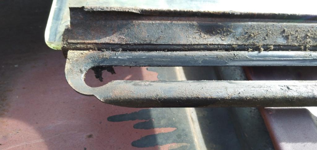 Démontage d'une vitre latérale sur 201 B19