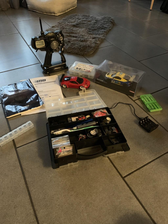 Je vends urgent. MR03 complète avec radio et accessoires  E8161610