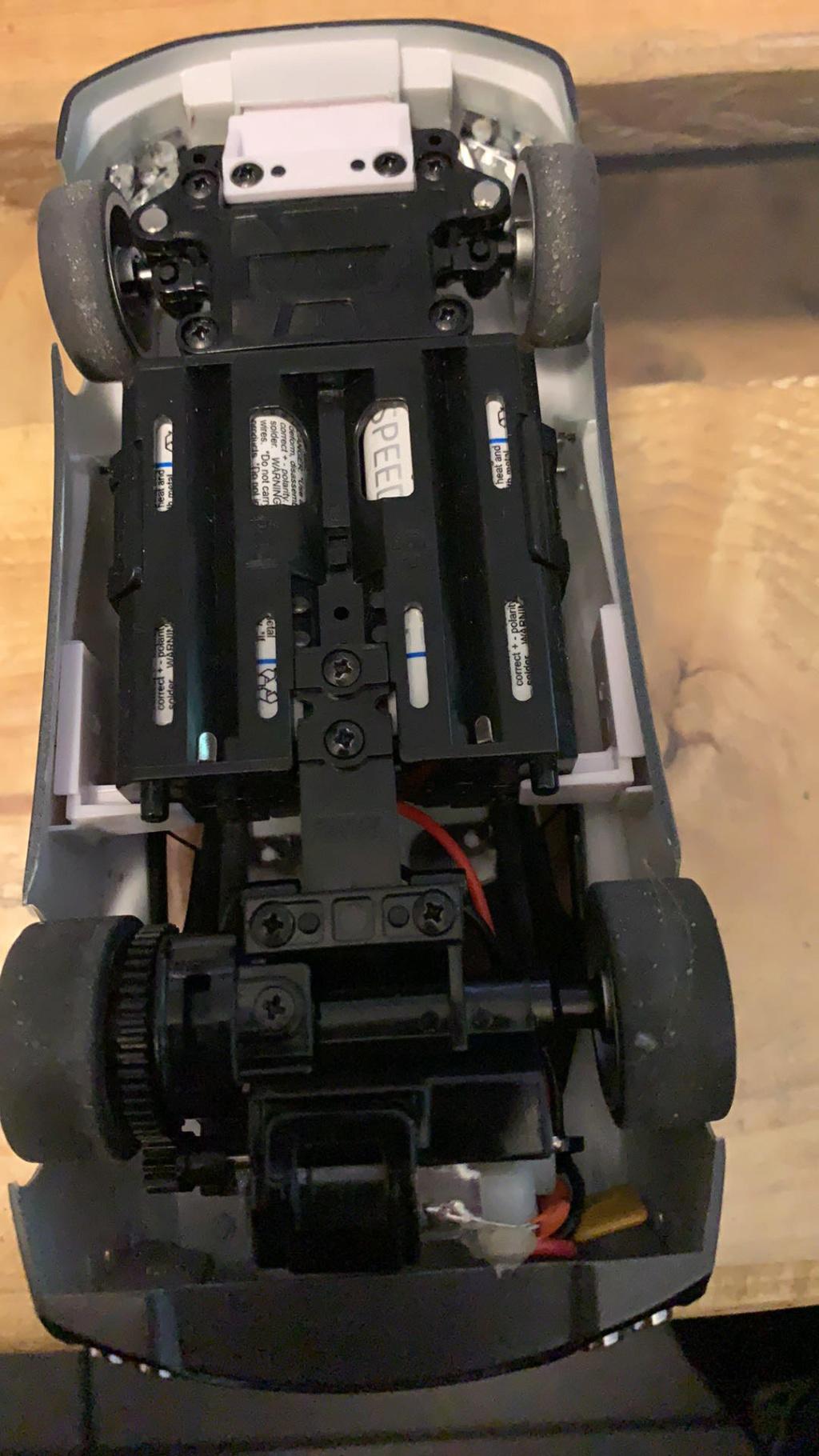 Besoin d aide sur adaptation mac laren et Audi R8 sur base mr03 skyline  F4466410