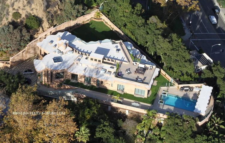 Nouvelle maison de Rihanna à Los Angeles - Décembre 2012  110