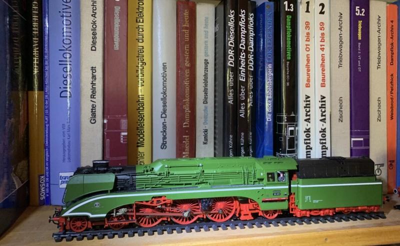 Die Baureihe 110 der Deutschen Reichsbahn - Seite 2 A1f5a810