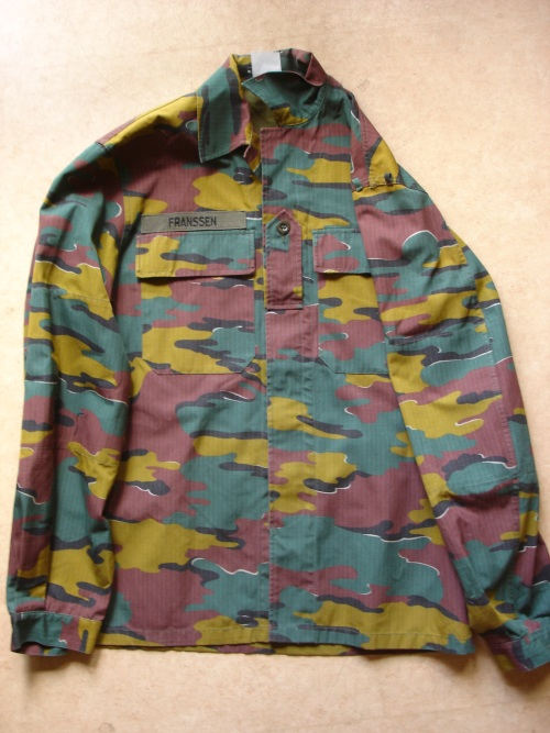 Belgium Jigsaw Shirt  ´´ with which task ´´ ????? J110