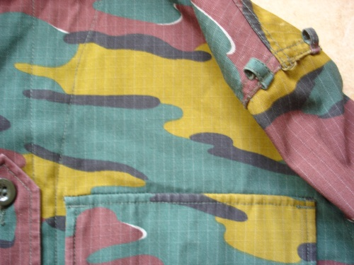 Belgium Jigsaw Shirt  ´´ with which task ´´ ????? J310