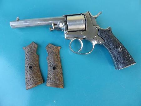Revolver police cantonale  14645110