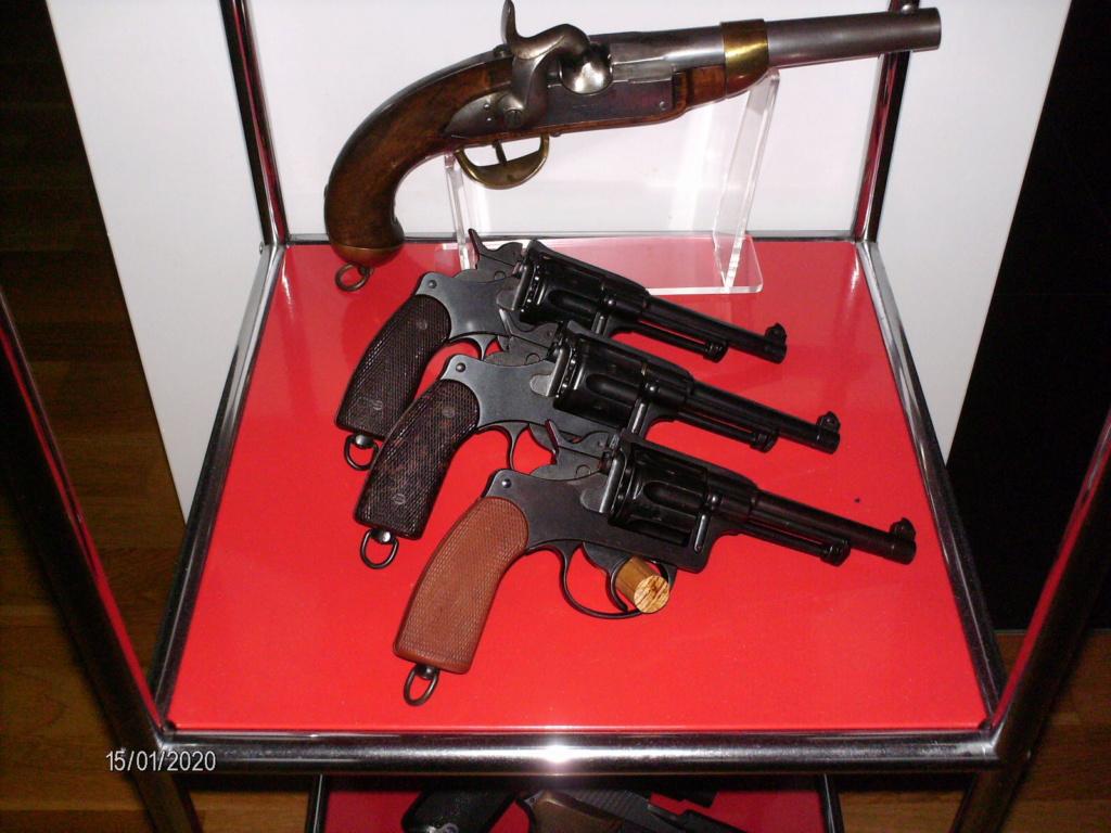 Vos étagères pour armes courtes Hpim0014