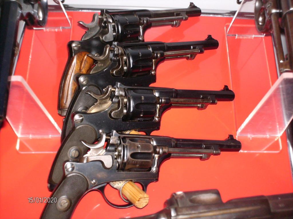Vos étagères pour armes courtes Hpim0017