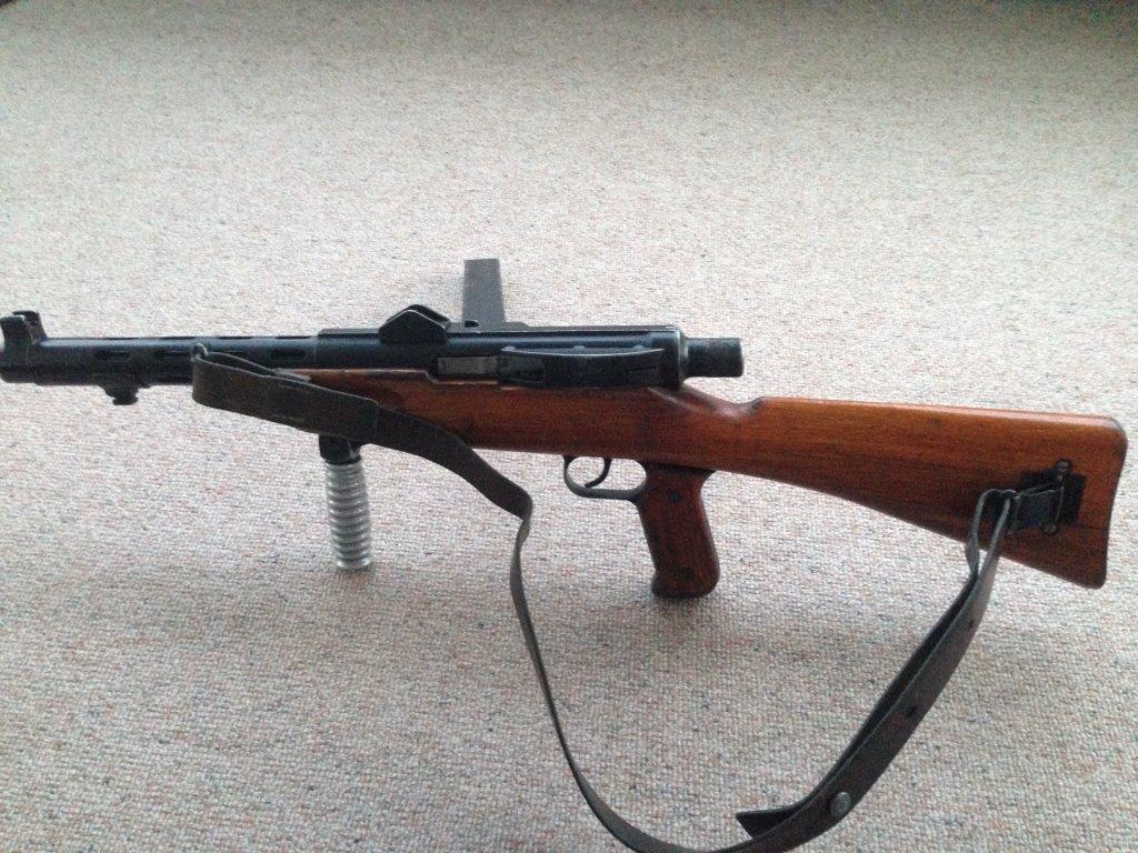Armes à genouillère Img_0214
