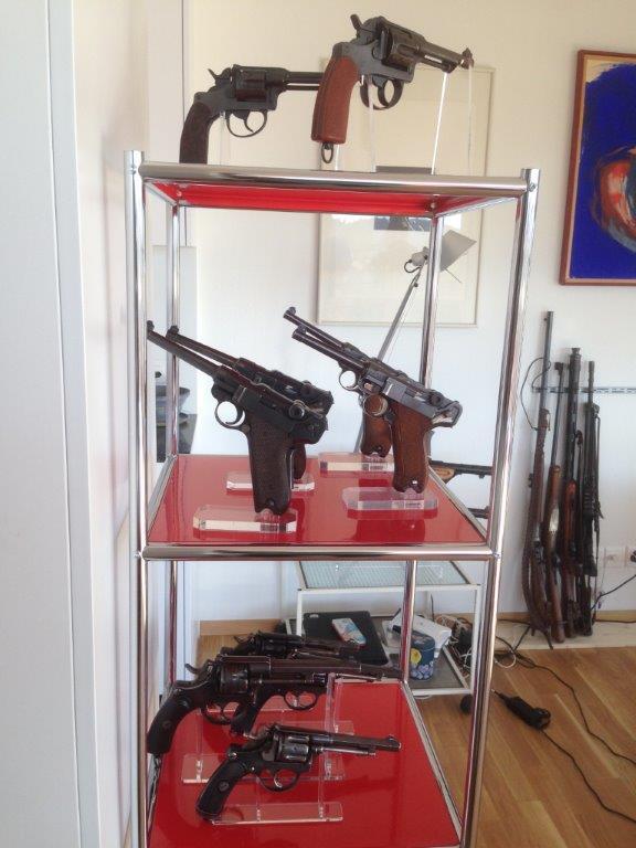 Présentation de vos armes de poing - supports - vitrines Img_1551