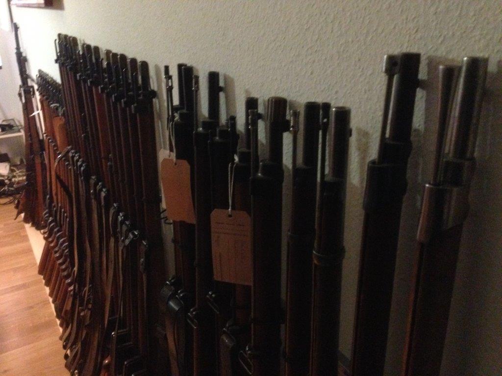 Petit nouveau armes suisses Img_1553
