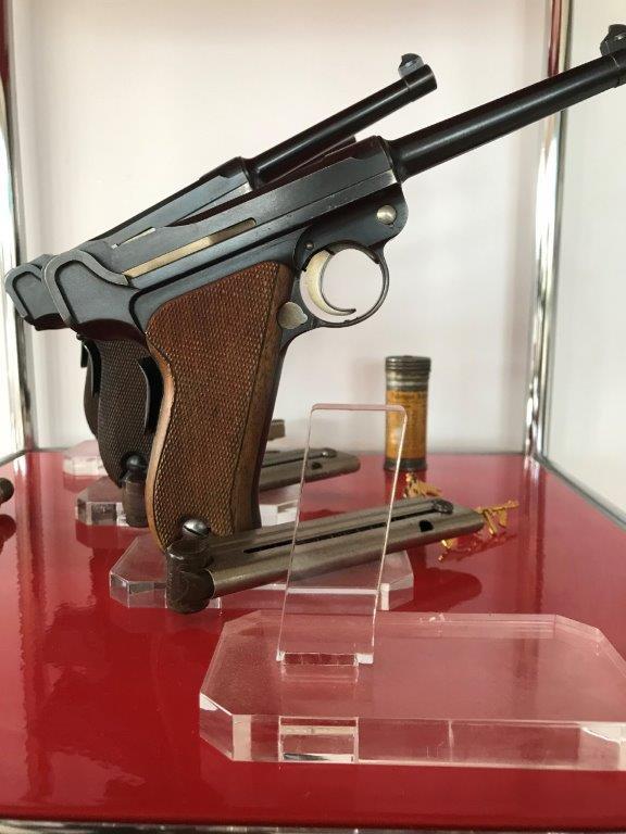 Présentation de vos armes de poing - supports - vitrines Img_1629