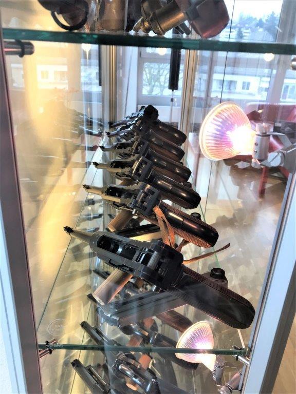 Vos étagères pour armes courtes Img_2522
