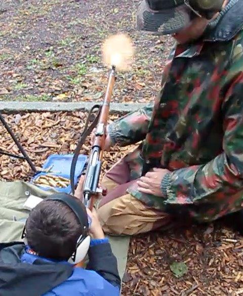 Photos de vos armes au moment du tir Quenti10