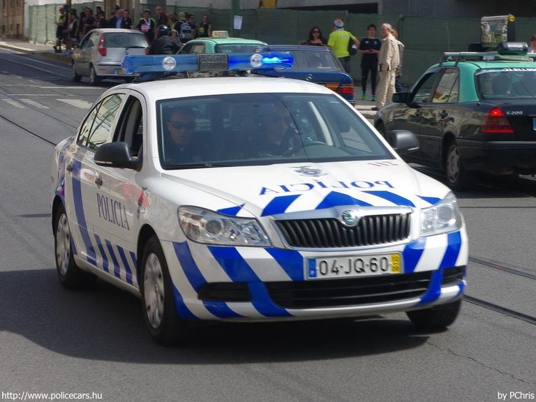 Skoda au service de la police - Page 3 Pt12910
