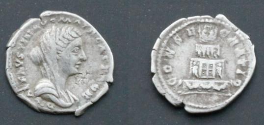 Les monnaies de Consécration de Barzus - Page 2 Fausti11