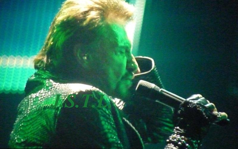 Johnny au zénith de Clermont - Page 2 P1060012