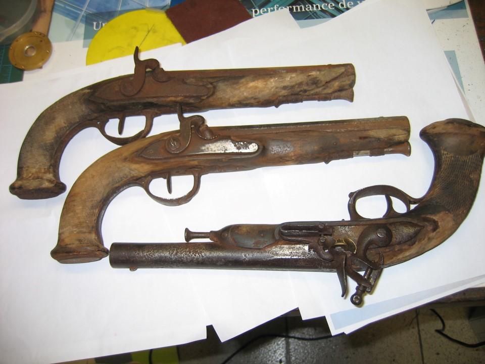 Restauration pistolets 1er Empire et Restauration   Img_3012