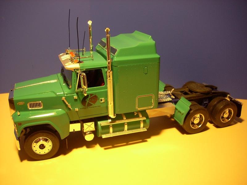 Ford LTL 9000 von Revell Comp_010