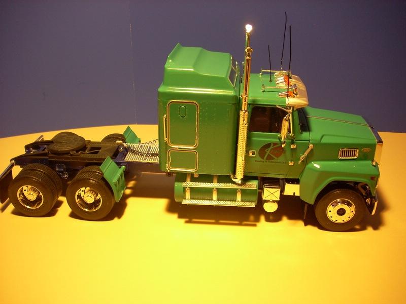 Ford LTL 9000 von Revell Comp_013
