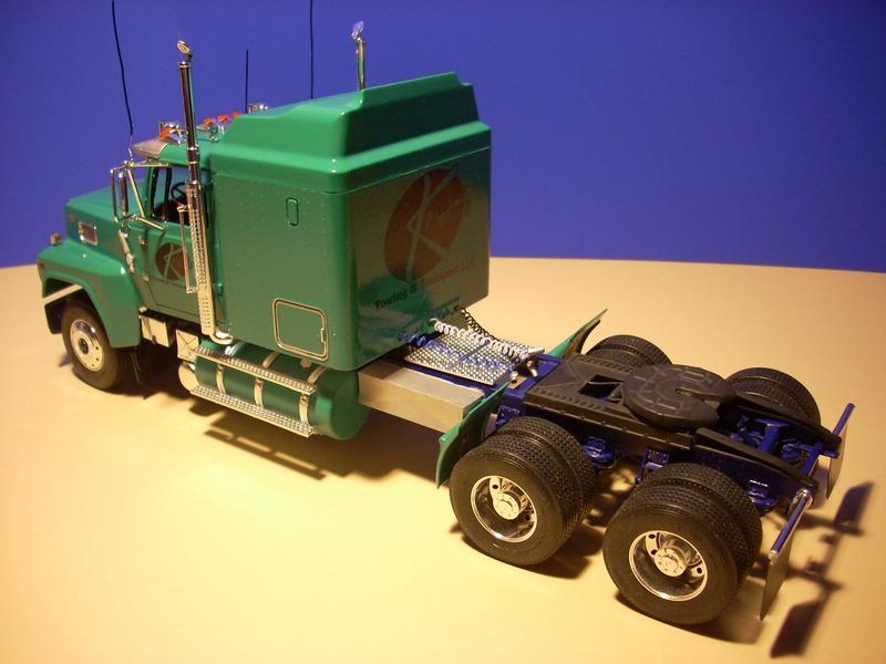 Ford LTL 9000 von Revell Comp_015