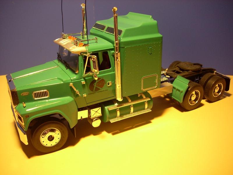 Ford LTL 9000 von Revell Comp_020