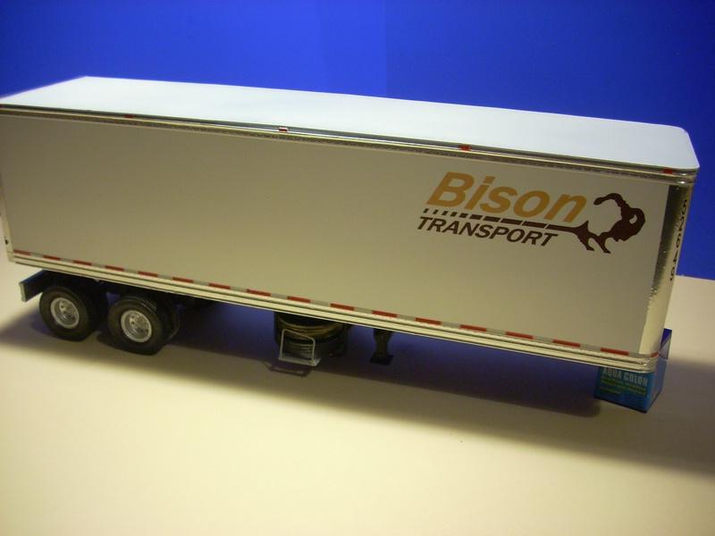 """Volvo VN """"Bison Transporte"""" Comp_053"""
