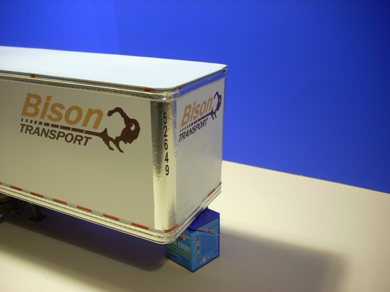 """Volvo VN """"Bison Transporte"""" Comp_054"""