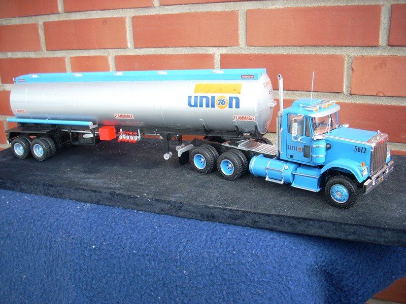GMC General mit Tanktrailer von AMT Comp_068