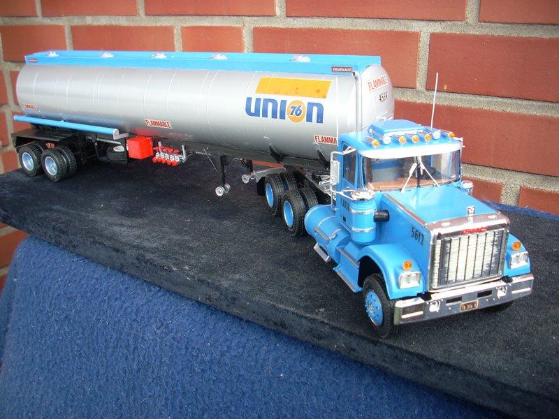 GMC General mit Tanktrailer von AMT Comp_073