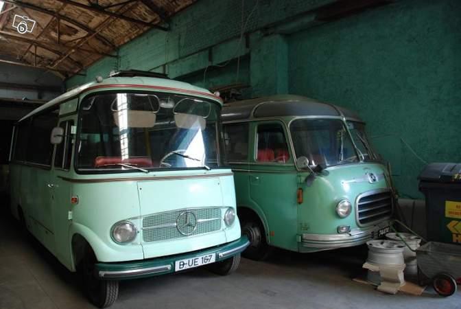 Autobus retro 02522810