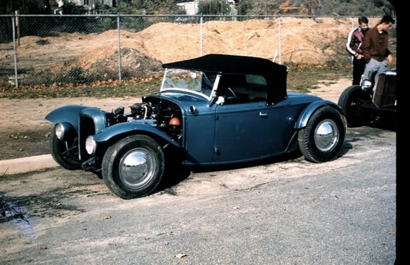 "Hot rod in street - Vintage pics - ""Photos rétros"" -  241010"