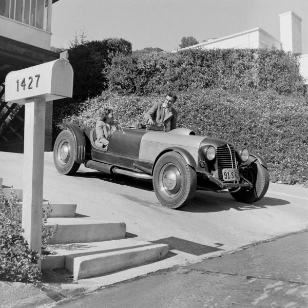 "Hot rod in street - Vintage pics - ""Photos rétros"" -  - Page 2 32106410"