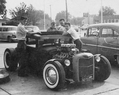 "Hot rod in street - Vintage pics - ""Photos rétros"" -  - Page 2 39375610"