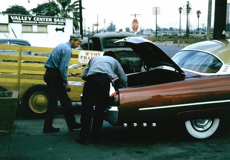 custom cars in the street ( 1950's & 1960's) 52_lin10