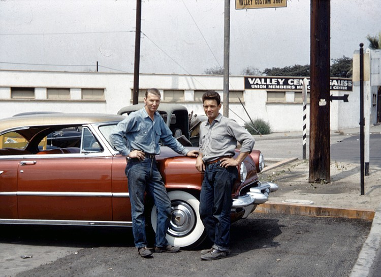 custom cars in the street ( 1950's & 1960's) 52_lin12