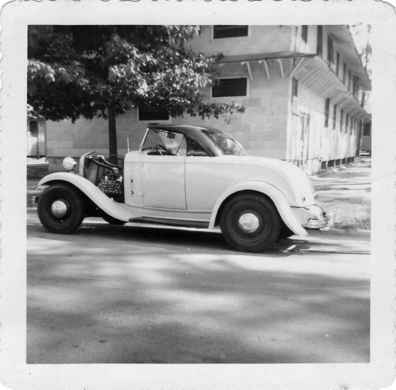 "Hot rod in street - Vintage pics - ""Photos rétros"" -  - Page 2 55039010"