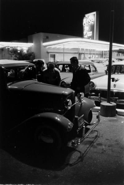"Hot rod in street - Vintage pics - ""Photos rétros"" -  978c9210"