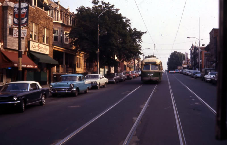 Rues fifties et sixties avec autos - 1950's & 1960's streets with cars A70310