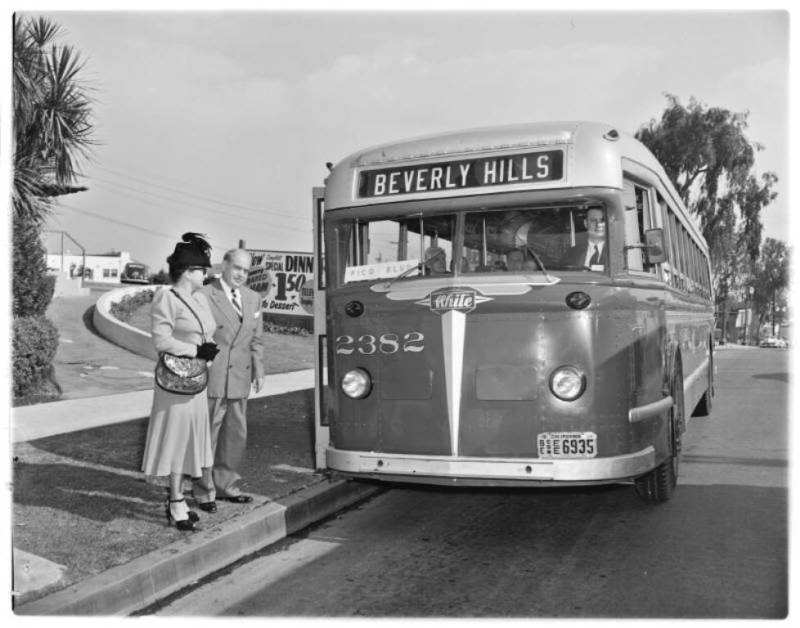 Autobus retro A74510