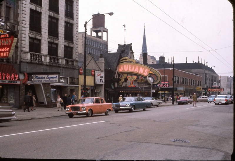 Rues fifties et sixties avec autos - 1950's & 1960's streets with cars A83610
