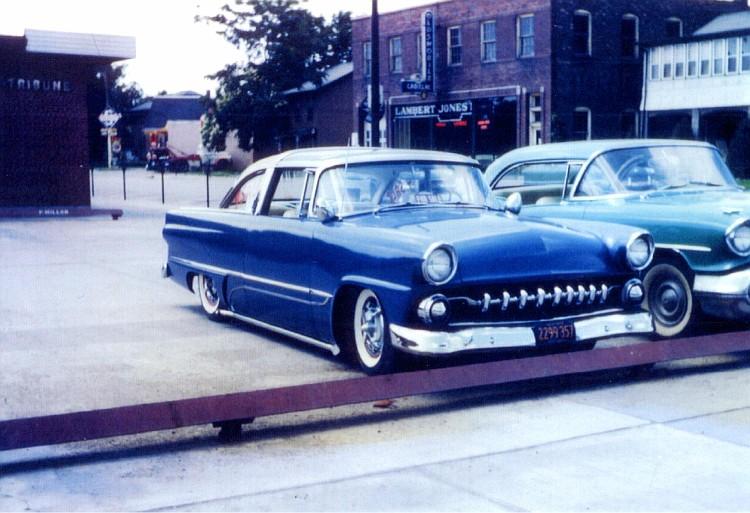 custom cars in the street ( 1950's & 1960's) B17-vi10