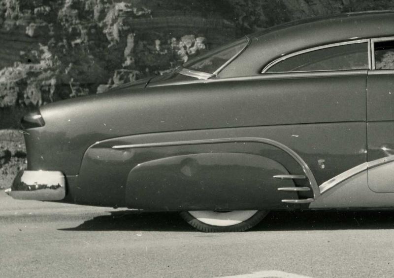 custom cars in the street ( 1950's & 1960's) Bugari10