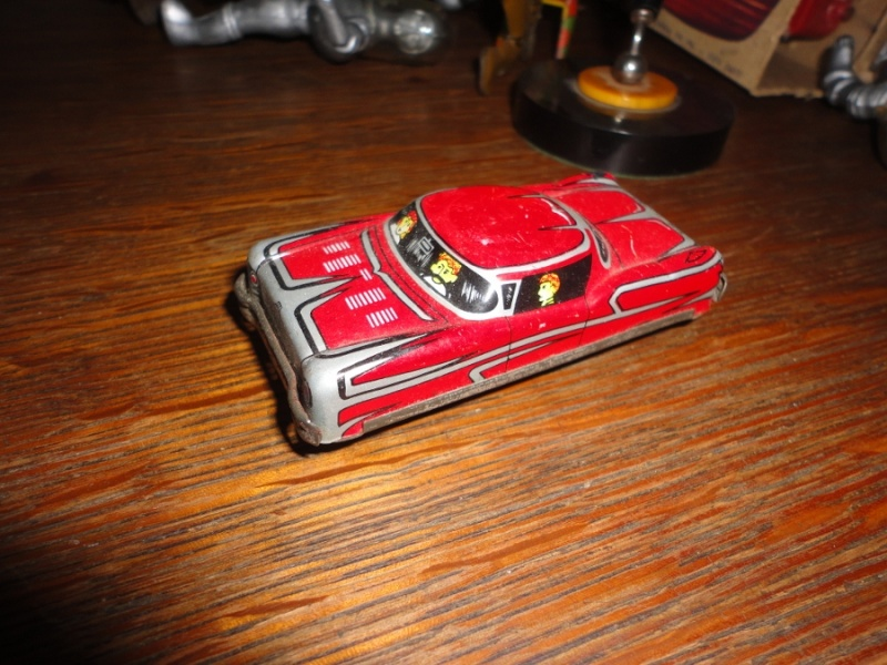 us car -  tôle - Tin Toys -  1950's & 1960's Dsc01510