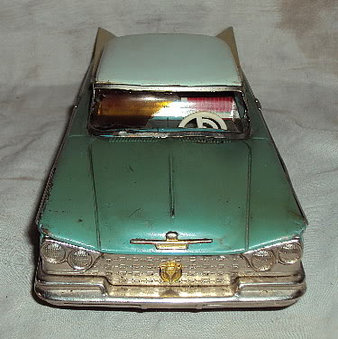 us car -  tôle - Tin Toys -  1950's & 1960's Dsc02910