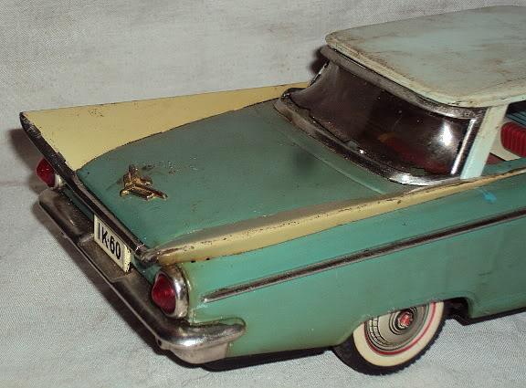 us car -  tôle - Tin Toys -  1950's & 1960's Dsc02913