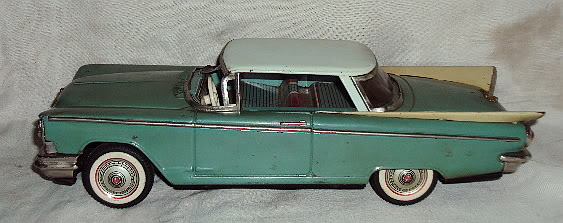 us car -  tôle - Tin Toys -  1950's & 1960's Dsc02915